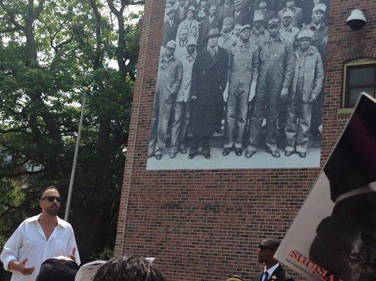 Photo courtesy Bronzeville Legends Initiative posted by Chris Devins