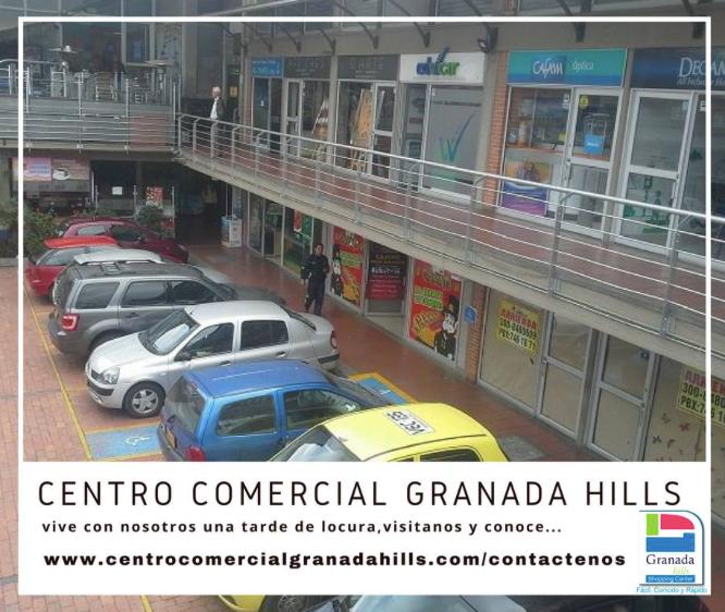 Parqueaderos Centro comercial Granada Hilss