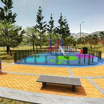 Zona de Juegos - Plaza.JPG