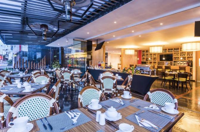 Restaurante Hotel Cosmos 116
