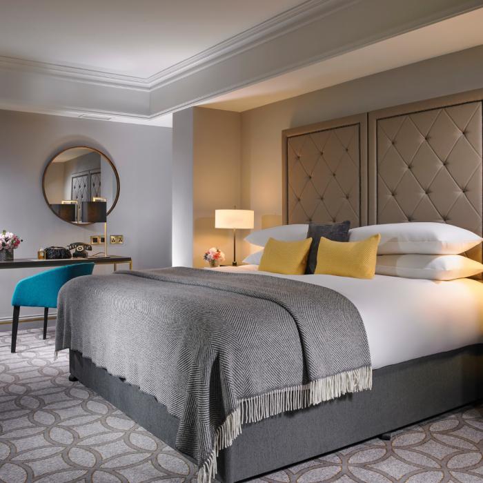 The-Davenport-Suite-Bedroom-700x700.png