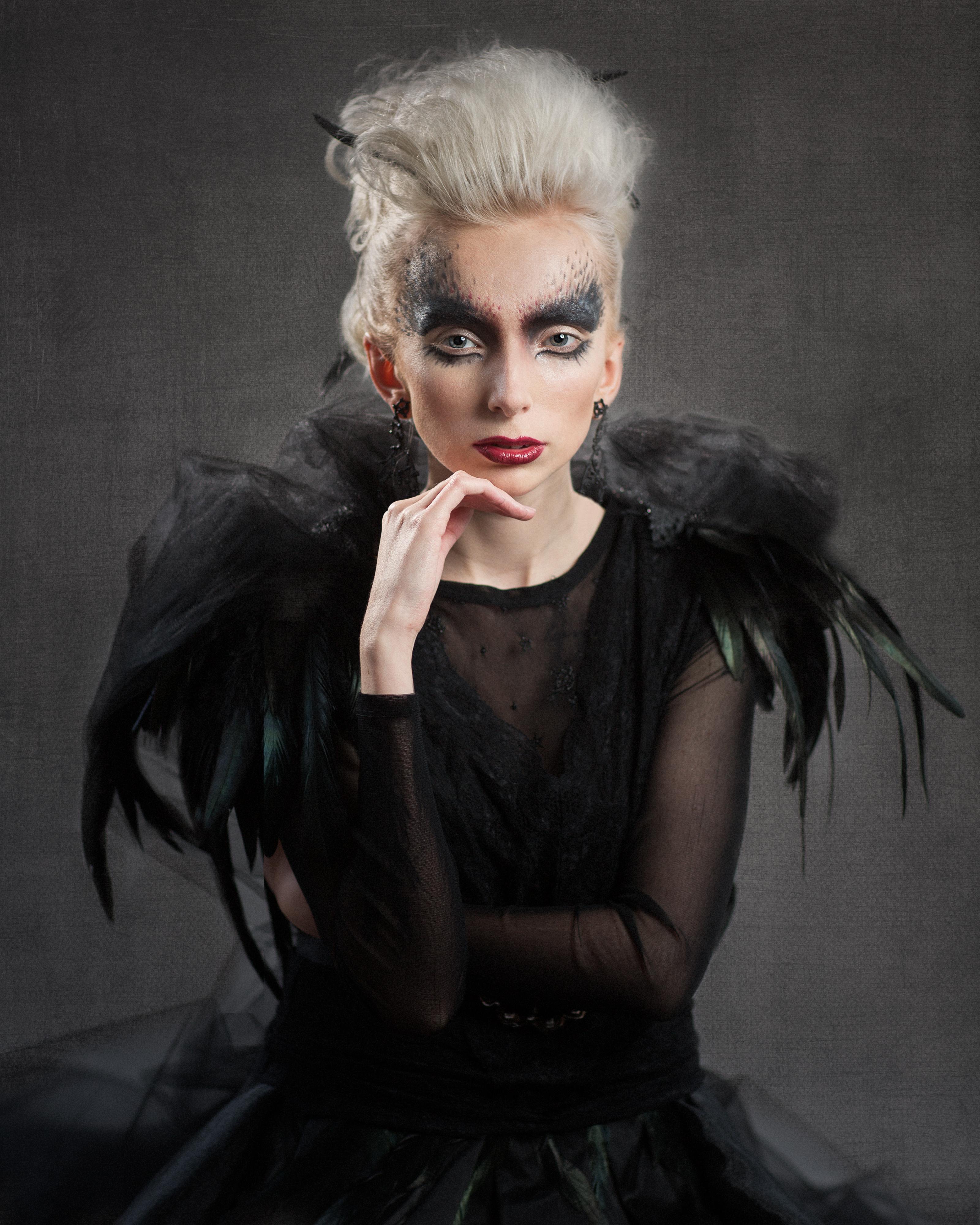 Porträtt_18_QueenOfBirds-1