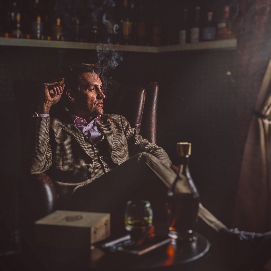 Whiskey & cigar76p