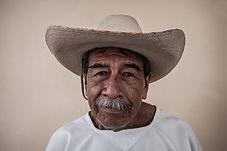 Serie Nuestros Mayores del portfolio de fotografía del fotógrafo humanitario Joseba Etxebarria. Proyecto de vuelta al mundo por los Derechos Humanos.