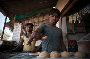Anand y Deepak | India