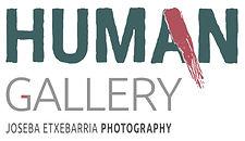 Human gallery es fundada en la ciudad de Battambang, Camboya, por el fotógrafo humanitario Joseba Etxebarria y muestra más de ochenta fotografías tomadas durante su vuelta al mundo en bicicleta por los Derechos Humanos.