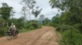 Todas la noticias breves en la vuelta al mundo en bicicleta del fotógrafo humanitario Joseba Etxebarria a su paso por Camboya.
