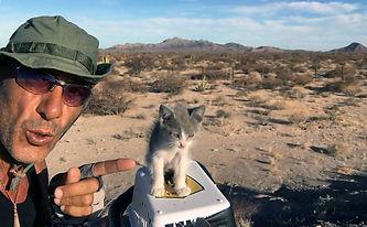 Jachim, nueva aventurera en la vuelta al mundo en bicicleta del fotografo humanitario Joseba Etxebarria.jpg