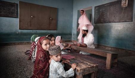 Serie Educación del Portfolio del fotógrafo humanitario Joseba Etxebarria. La vuelta al mundo en bicicleta.