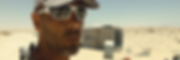 El fotógrafo humanitario internacional Joseba Etxebarria durante su vuelta al mundo en bicicleta. En tierra de nadie entre Sahara Occidental y Mauritania.