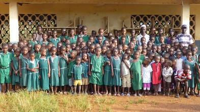 Arena roja y uniforme de gala | Sierra Leona
