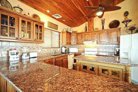 Casa-Fiesta-Kitchen-2.jpg