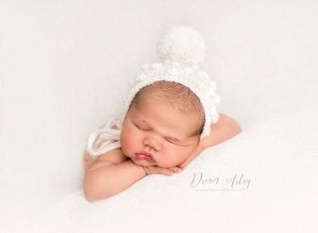 7 Things to consider before booking your Newborn Photographer