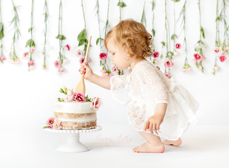 Cake Smash Photographer in Aldermaston Reading West Berkshire, Basingstoke Hampshire