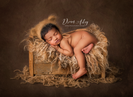 Newborn Photographer in Aldermaston, Reading Basingstoke