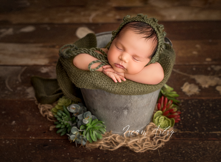 Newborn Photographer in Reading, Basingstoke, Aldermaston - Lockdown, covid19, Quarantine