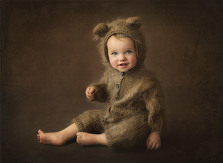 Baby Children Photographer Fine Art Portrait near me Reading Basingstoke Windsor Newbury Chiswick Acton Chelsea
