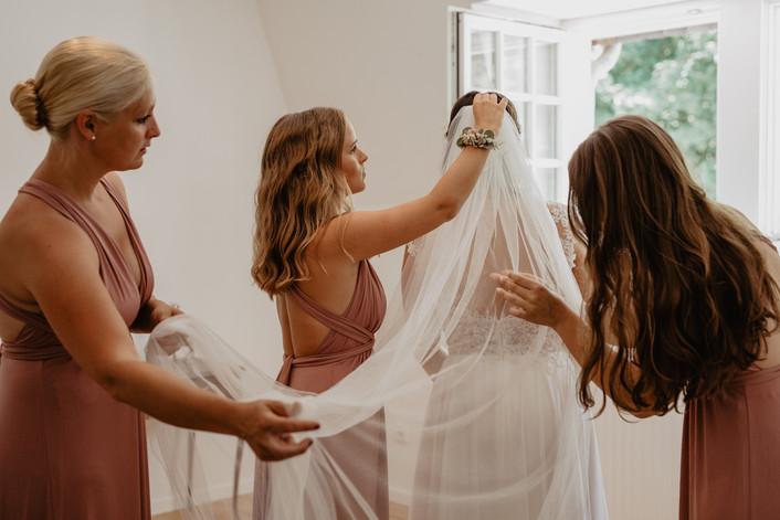Hochzeitsfotograf_Hochzeitsreportage_NRW_Gettingready_Milchhäuschen.jpg
