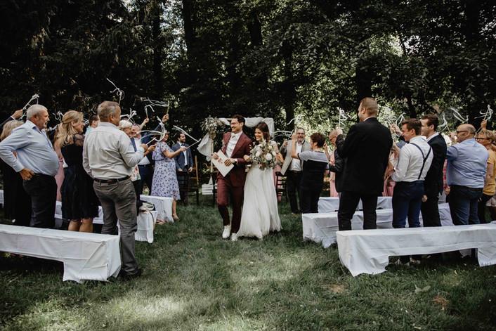 Hochzeitsfotograf_Hochzeitsreportage_NRW_Brautpaar_FreieTrauung.jpg