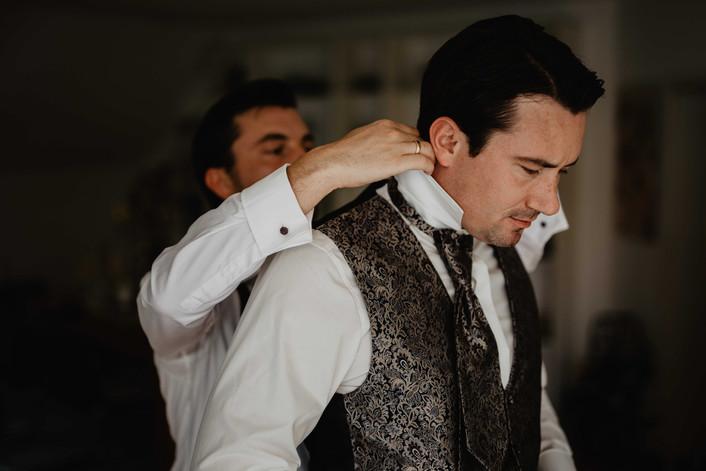 Hochzeitsfotograf_Hochzeitsreportage_NRW_Bräutigam_GettingReady.jpg