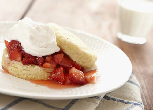 strawberry cornmeal cakes