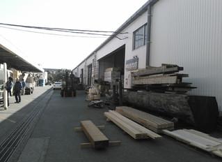 東京中央木材市場へ