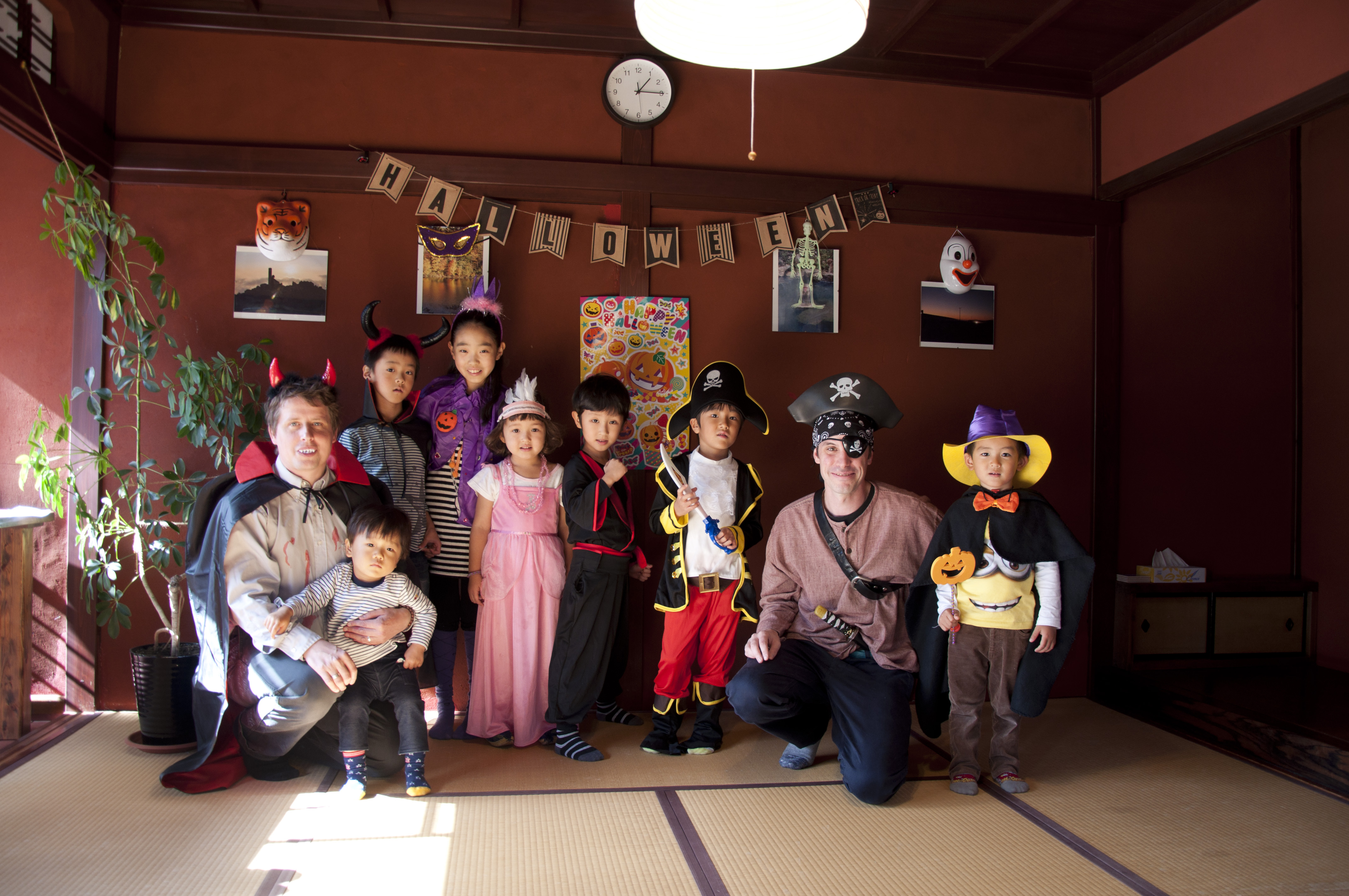 Shining Star Halloween Party 01.jpg