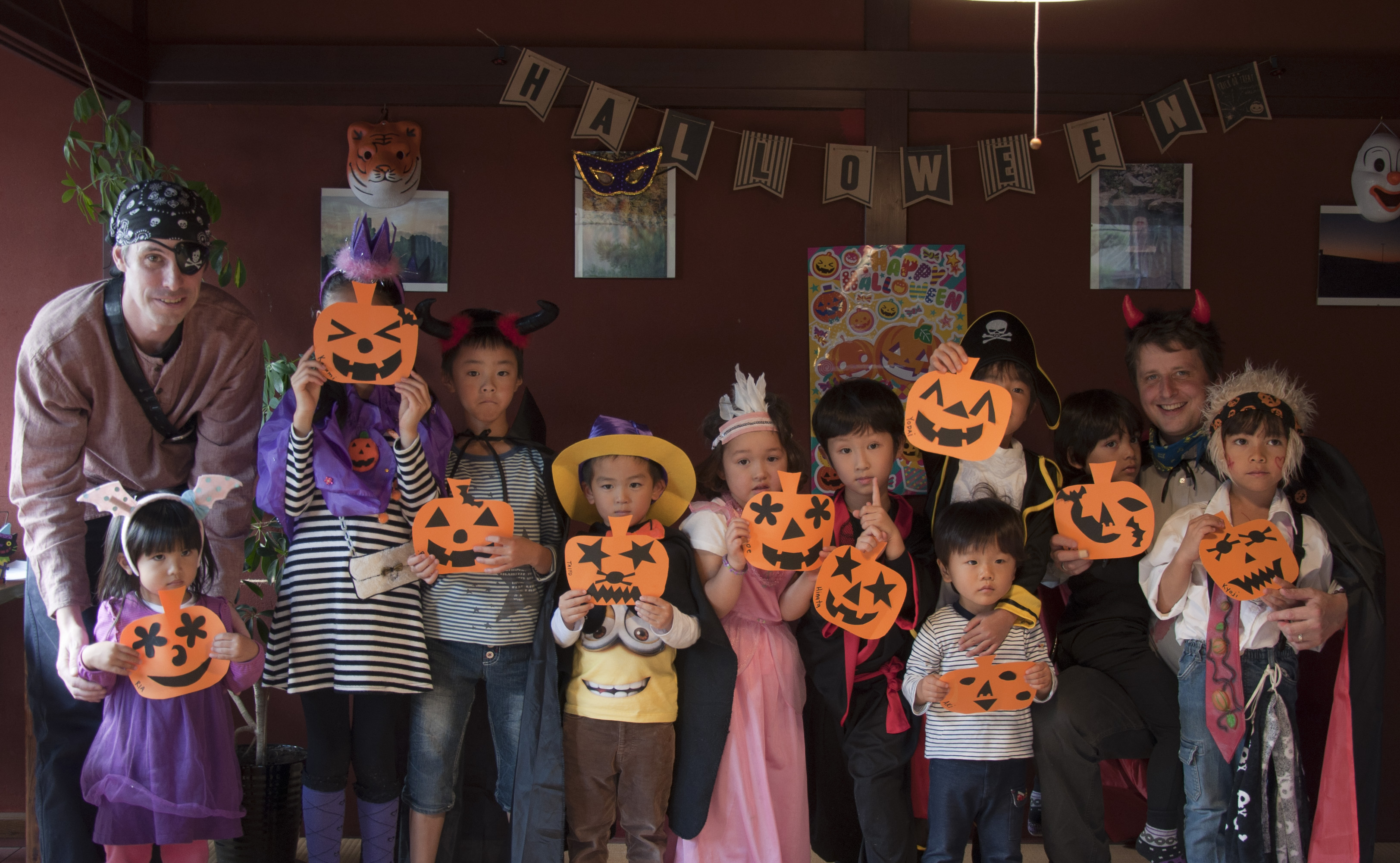 Shining Star Halloween Party 06.jpg