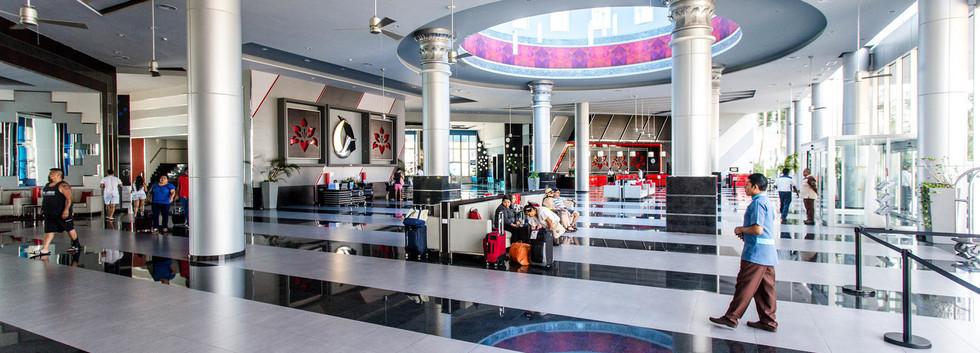 lobby--v12370893.jpg