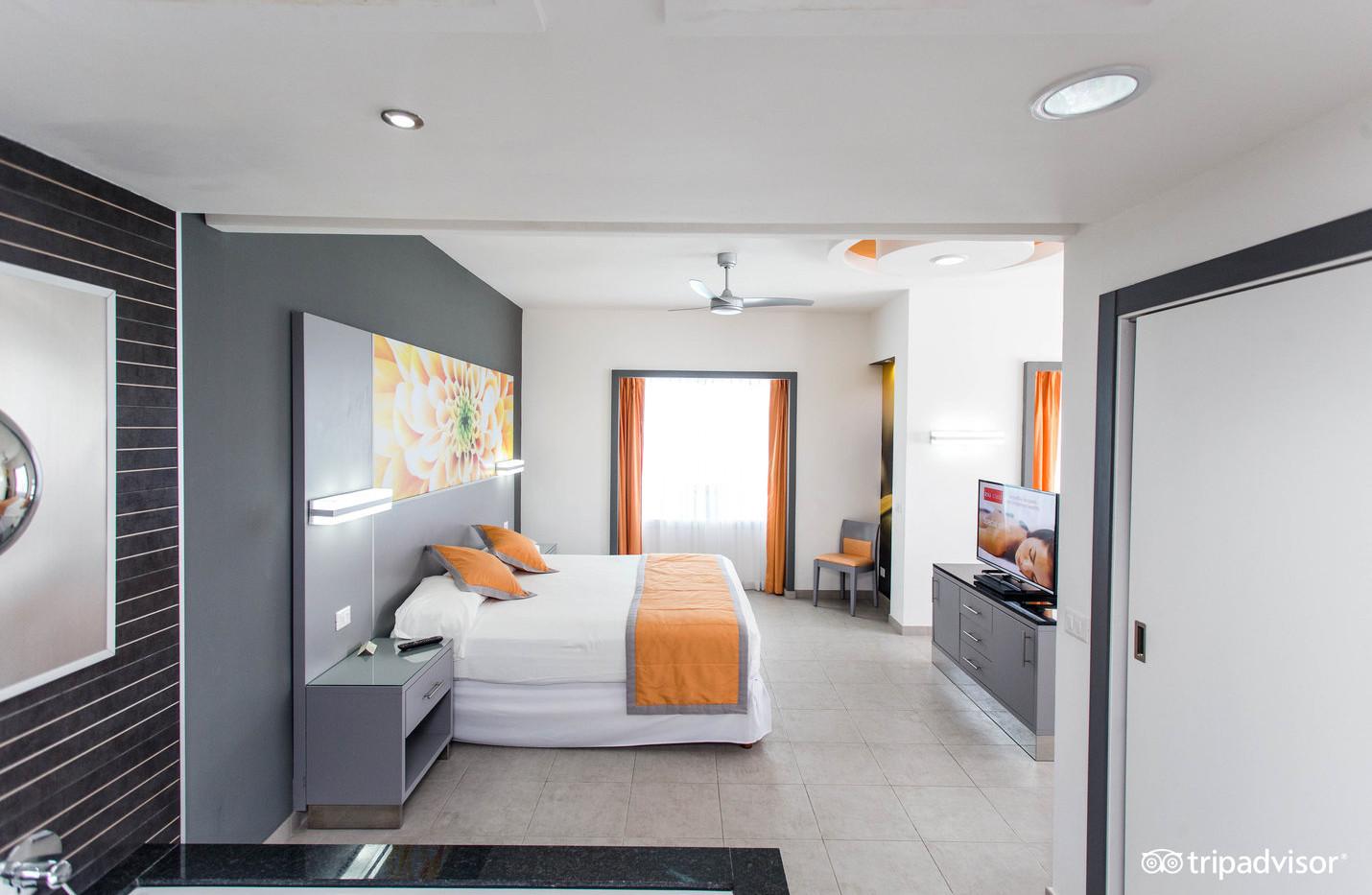 premium-corner-suite-ocean-view-- (2).jp