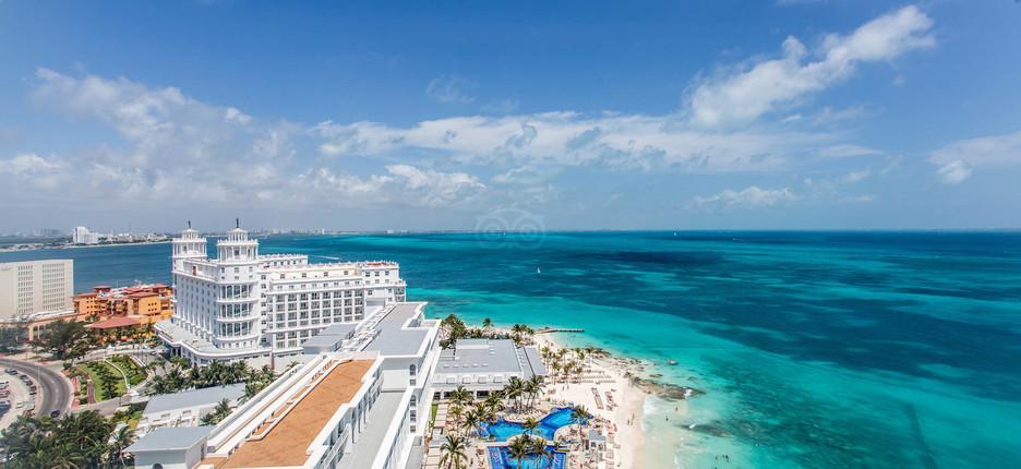 premium-corner-suite-ocean-view--.jpg