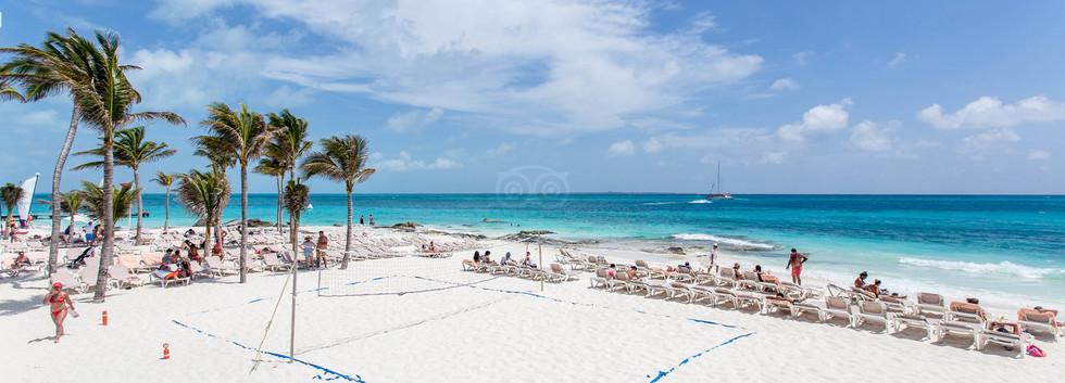 beach--v12370902.jpg