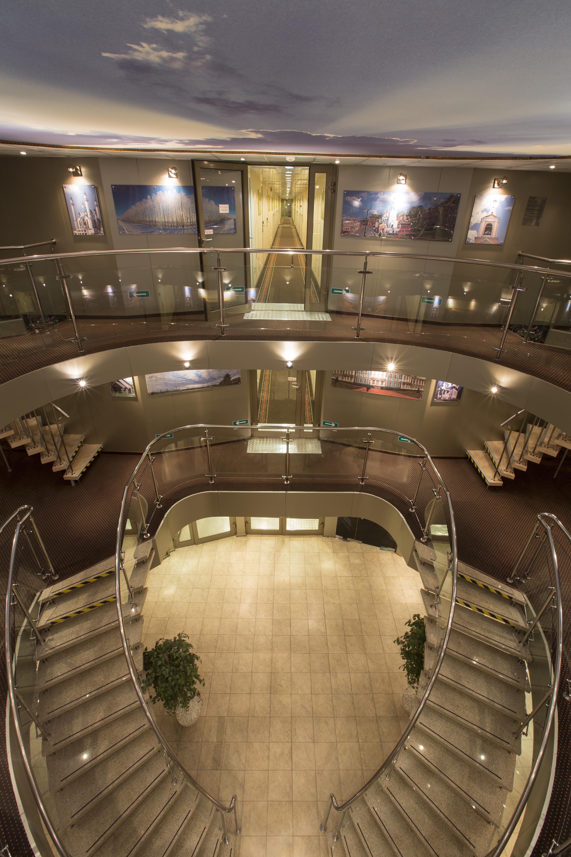 M.Rostropovich. Atrium (1).jpg