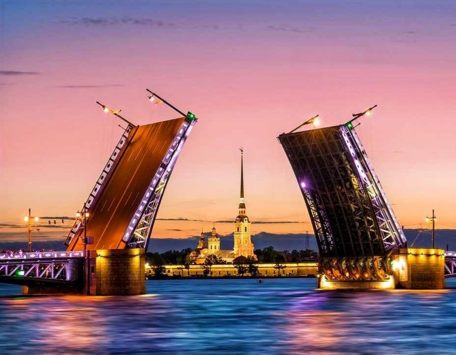 Les ponts levants de Saint-Pétersbourg
