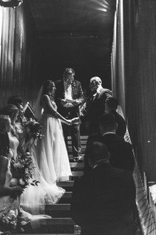 Summer-Wedding-Chicago- Ceremony-Stairca