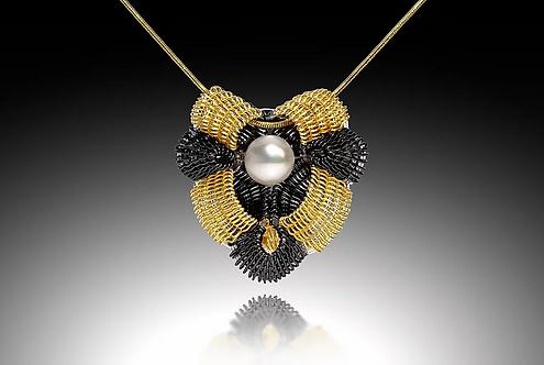 Victoria Pendant with Pearl, Gold & Black
