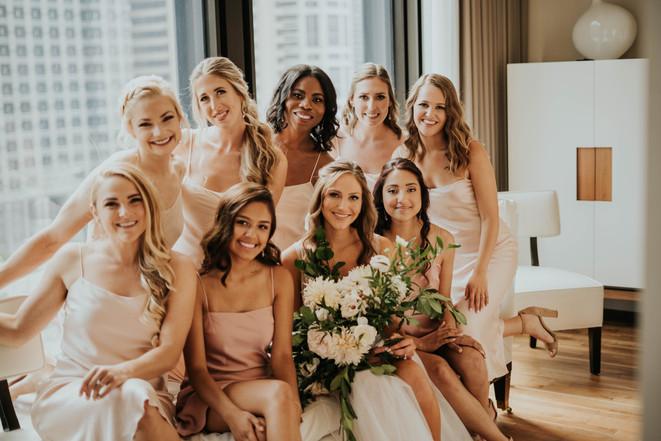 Summer-Wedding-Chicago- Bridesmaids-Pale