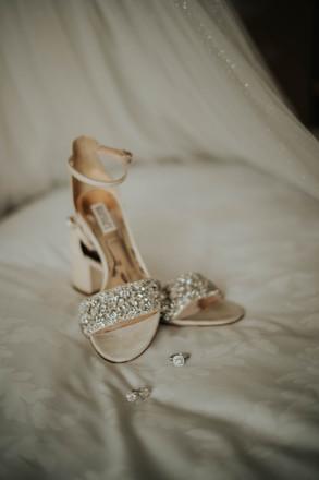 Summer-Wedding-Chicago- Bridal-shoes-ear