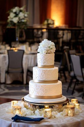 Intercon-Chicago-Wedding- Cake-Renaissan