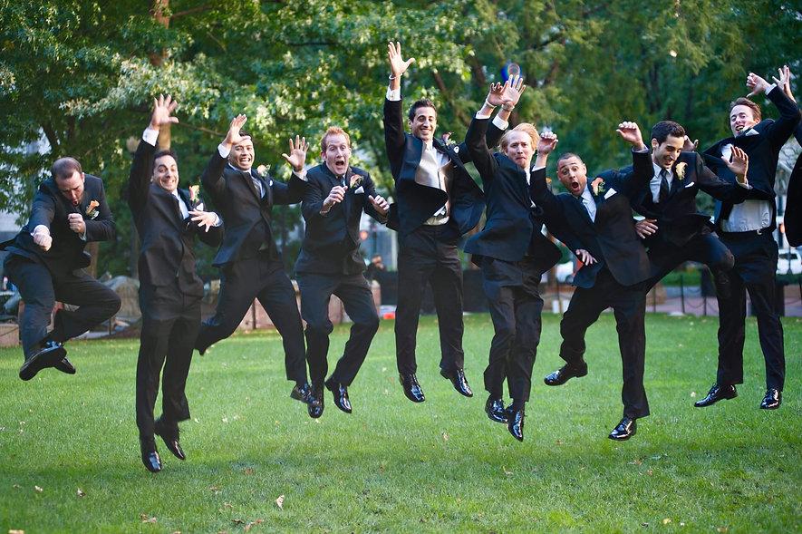 Art-Institute-of-Chicago-Illinois-groomsmen-HBIC-Weddings