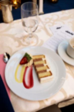 Best-wedding-cake-Intercontinental-Chicago-Magnificent-Mile