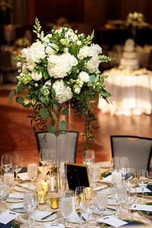 Intercon-Chicago-Wedding- Tall-Centerpie