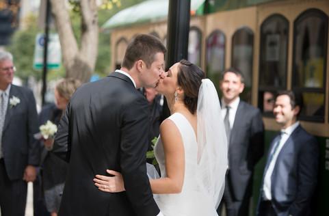 Intercon-Chicago-Wedding- Trolley-Couple