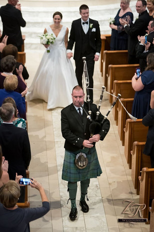 Chicago-Old-St.-Pat's-Wedding-Bag-Piper.