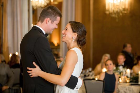 Intercon-Chicago-Wedding- First-Dance.jp
