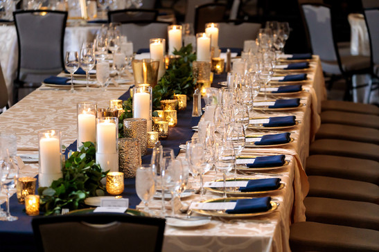Intercon-Chicago-Wedding- Headtable-Garl