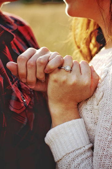 couple-holding-hands-Chicago-engagement