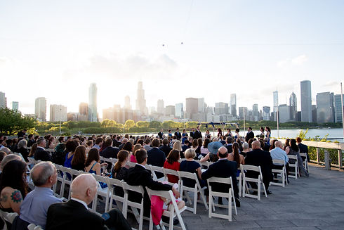 beautiful-Shedd-Aquarium-wedding-Chicago-Illinois-skyline