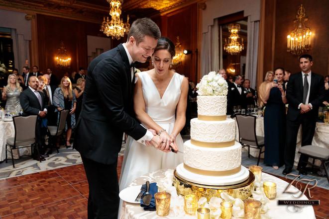Intercon-Chicago-Wedding- Cake-Cutting-F