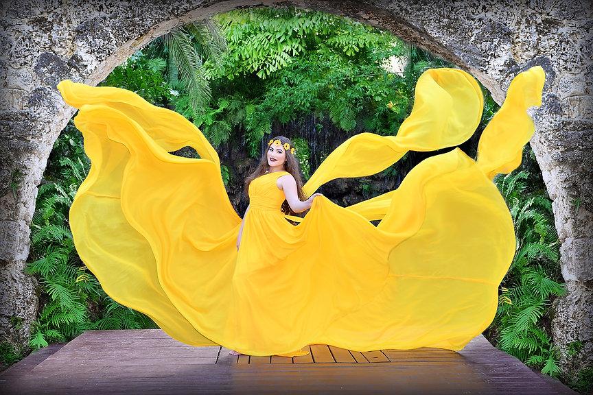 foto de quinceañera vestido flotando secret garden